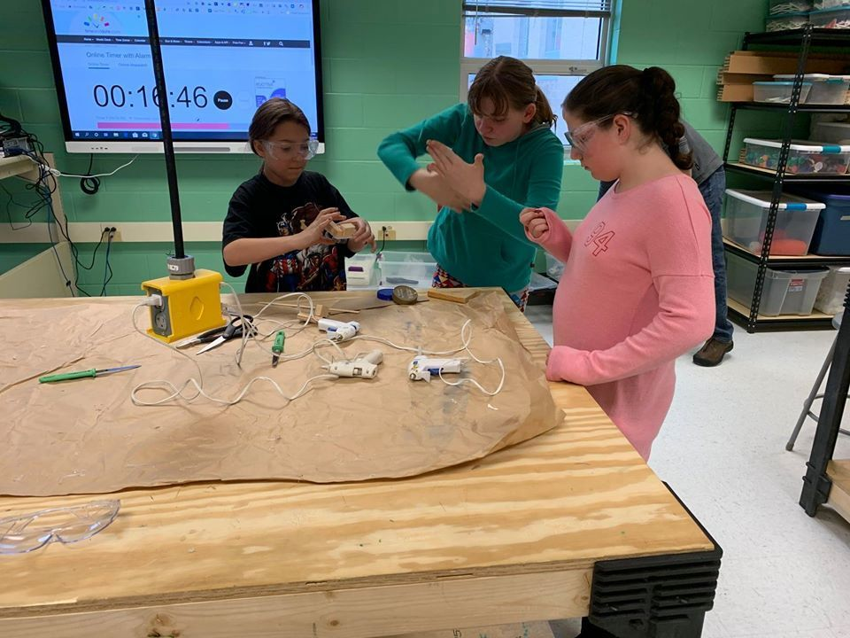 Sixth graders exploring Makerspace